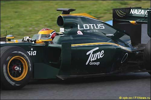 Lotus Файруза Фаузи на трассе