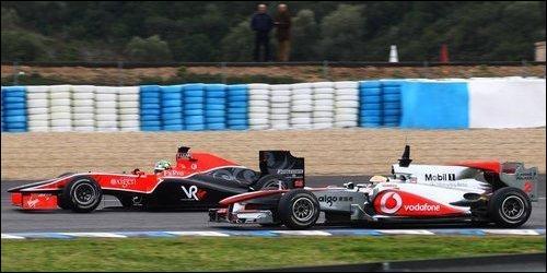 Лукас ди Грасси, Virgin VR-01 (слева). Февраль 2010, тесты, Херес